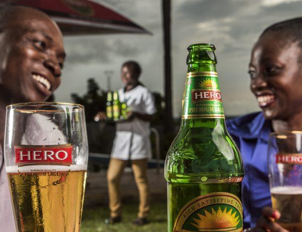 Alkoholindustrien utnytter u-lands manglende alkoholpolitikk og spiller gjerne på drømmen om vesten, når de reklamerer for sine produkter i land uten reklamerestriksjoner. Foto: SAB-Miller, en av verdens største alkoholprodusenter.  Credit: Tom Parker/OneRedEye