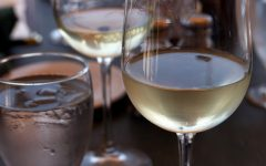 2426-glasses-of-white-wine-and-water-pv