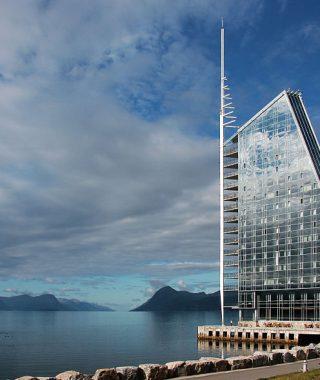 Landsmøtet i 2017 holdes på Hotell Seilet i Molde. Foto: Wikimedia Commons/Anna Anichkova