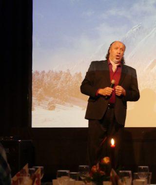 Førjulsglede_Magne Fremmelid gav oss fantastiske opplevelser med sanger fra musikaler, operaer og Norsk Salmebok